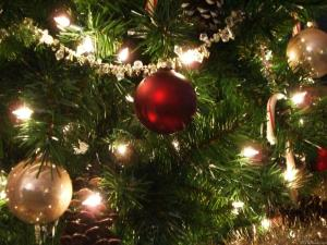 Pull-up-Christmas-Tree-with-Lights